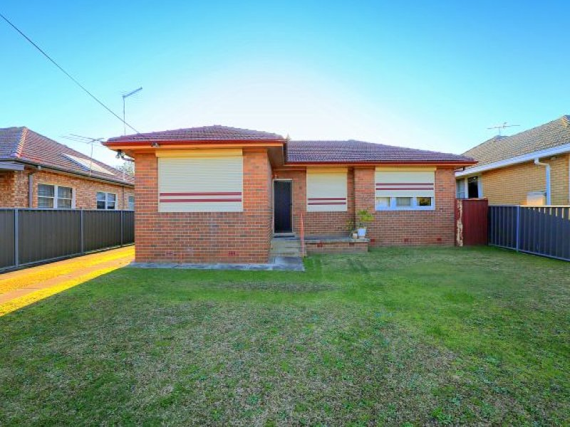 10 Ogmore Court, Bankstown, NSW 2200