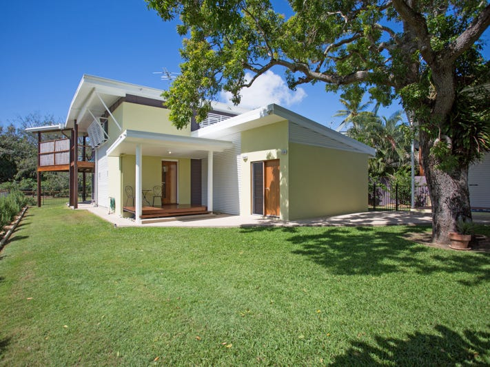 27 Coral Drive, Blacks Beach, Qld 4740