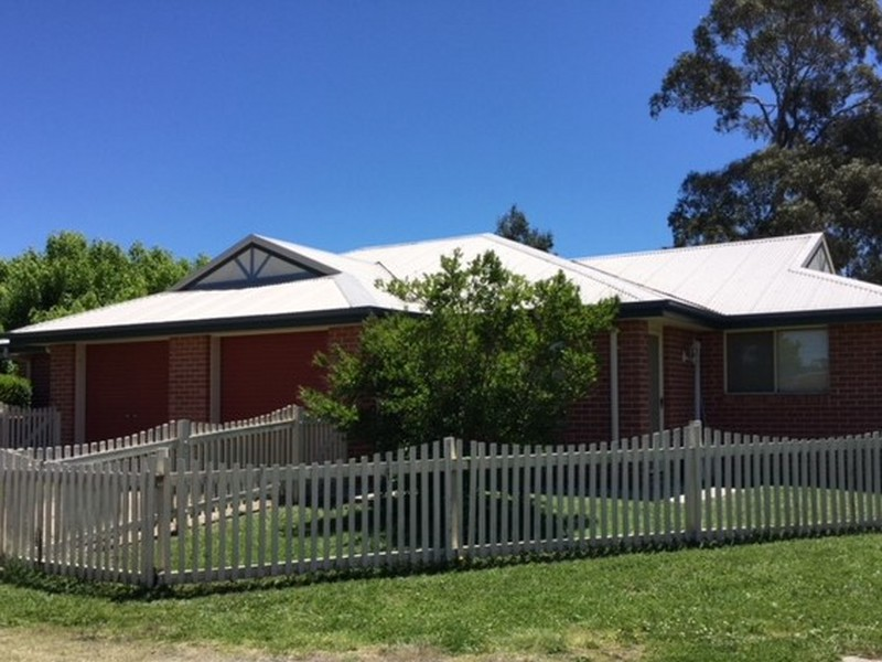 21 A/B Railway Street, Glen Innes, NSW 2370