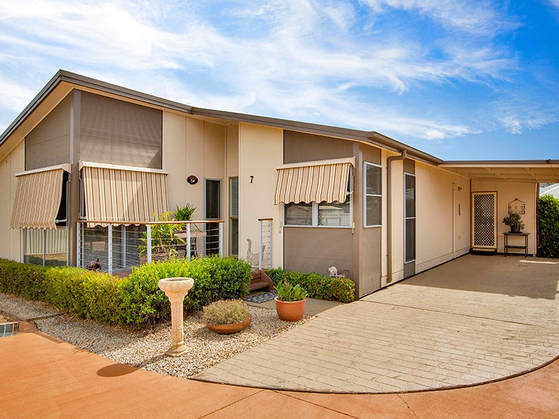 7/19-51 Warral Road - Broadlands Gardens Estate, Tamworth, NSW 2340