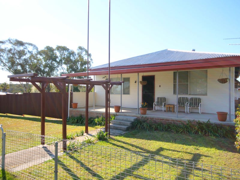 8 Hall Street, Gilgai, NSW 2360