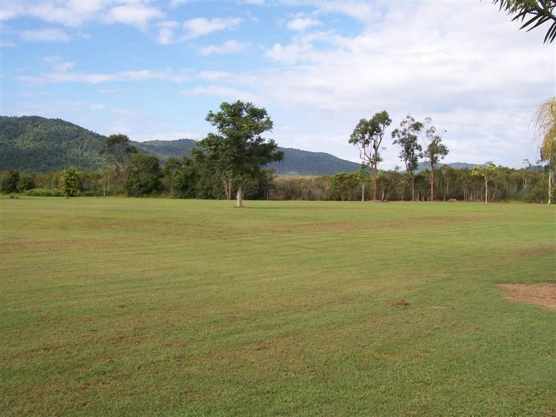 Rural post 204 Etty Bay Road, Etty Bay, Qld 4858