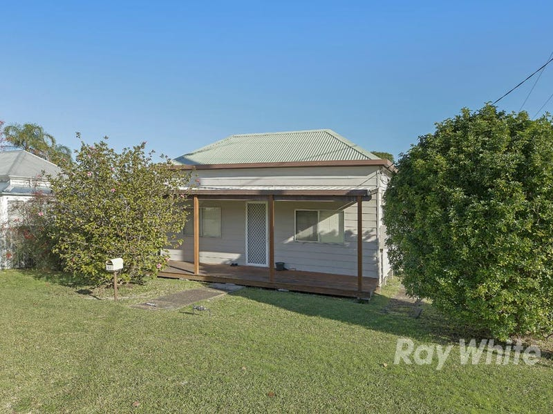 17 Brougham Avenue, Fennell Bay, NSW 2283
