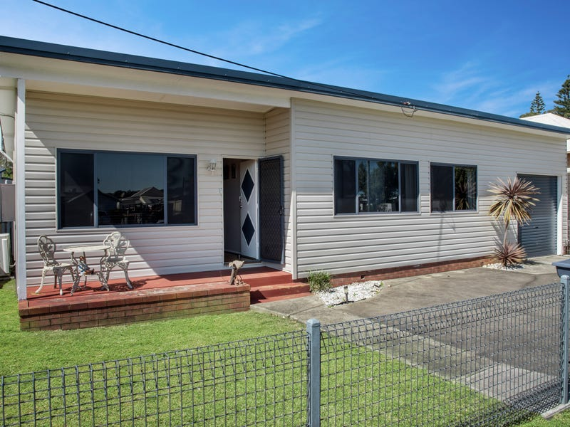 15 McDonald Parade, Burrill Lake, NSW 2539