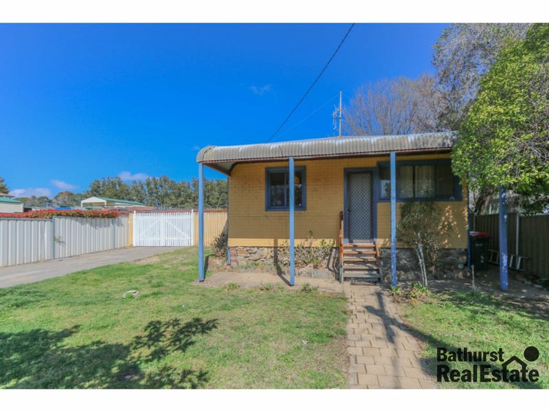 3 Griffin Street, Mitchell, NSW 2795