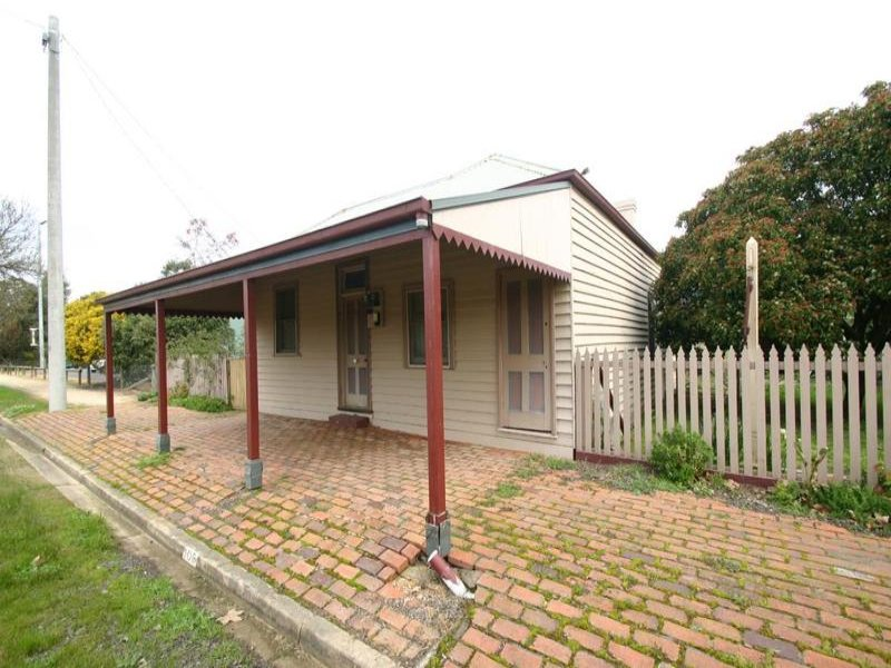 106 Main Street, Great Western, Vic 3374