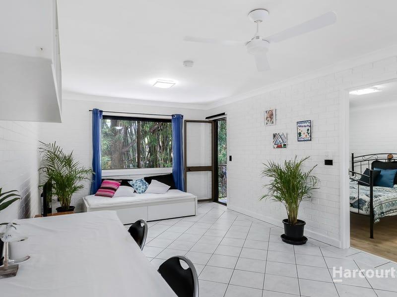 13/2 Rajah Road, Ocean Shores, NSW 2483