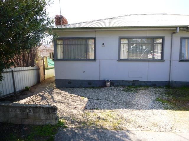 2/928 Padman Drive, Albury, NSW 2640