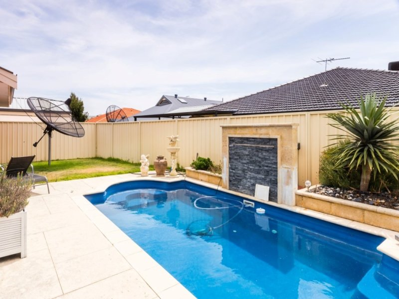 12 Leicester Crescent, Canning Vale, WA 6155