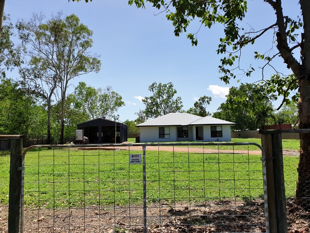 25 HEFEREN CRESCENT, Black River, Qld 4818
