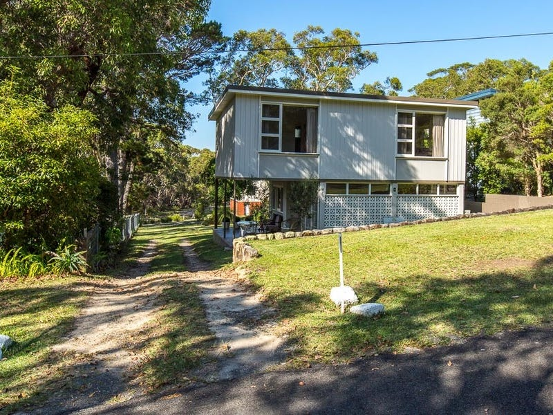 4 Rose Street, Hyams Beach, NSW 2540