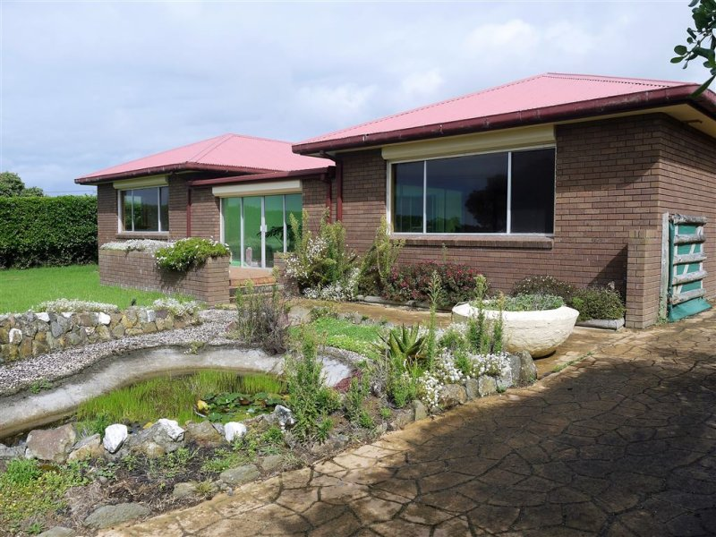 121 The Esplanade, Naracoopa, Tas 7256