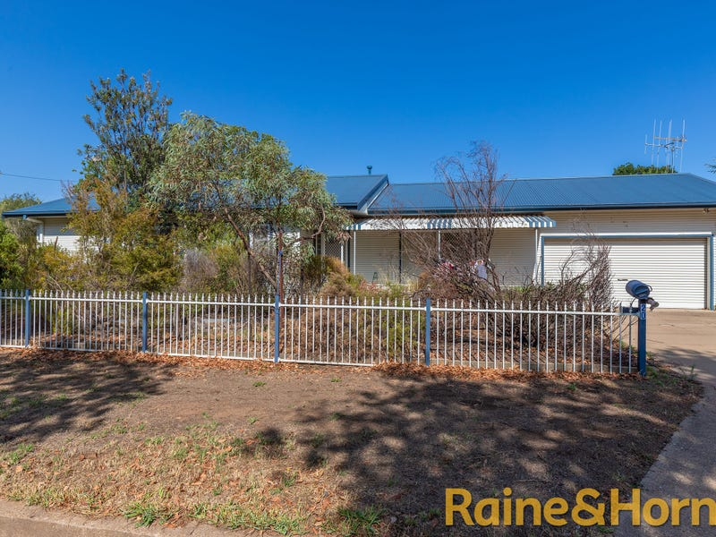 20 Whiteley Street, Wellington, NSW 2820