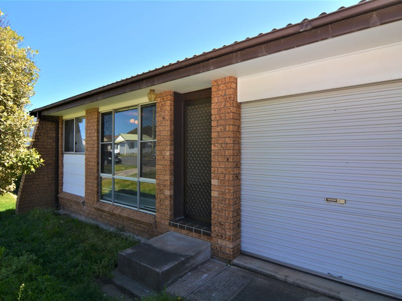 2/15 Knight Street, Lithgow, NSW 2790