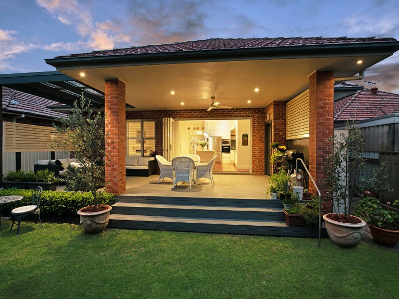 131 Kemp Street, Hamilton South, NSW 2303