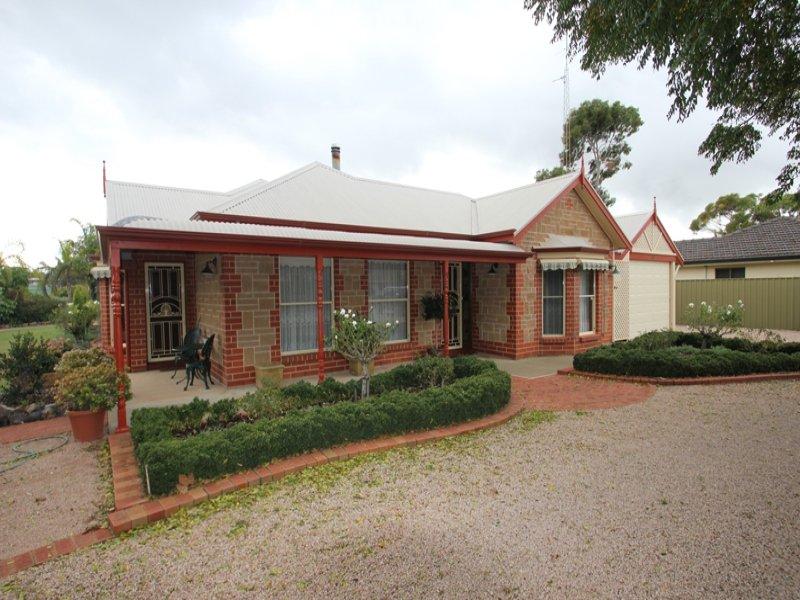 108 Bay Road, Moonta Bay, SA 5558