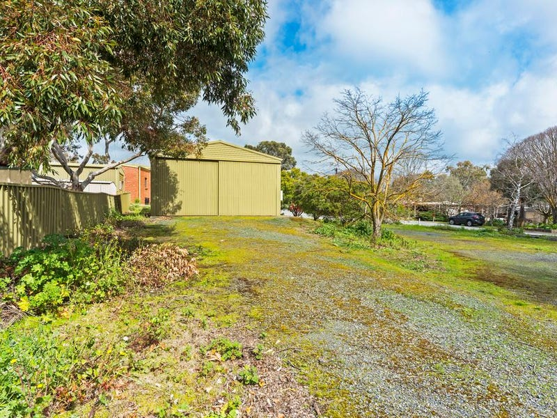 2 Giles Thorpe Crescent Mount Pleasant Sa 5235