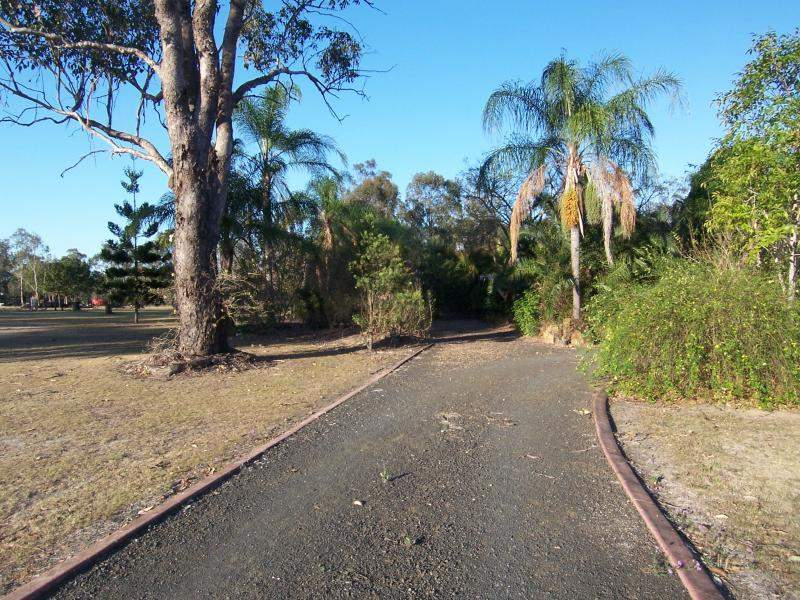 30 Cummins Road, Thagoona, Qld 4306