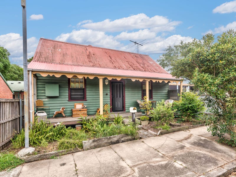 10 Henry Street, Tighes Hill, NSW 2297