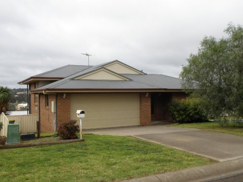 14 Hills Street, Young, NSW 2594