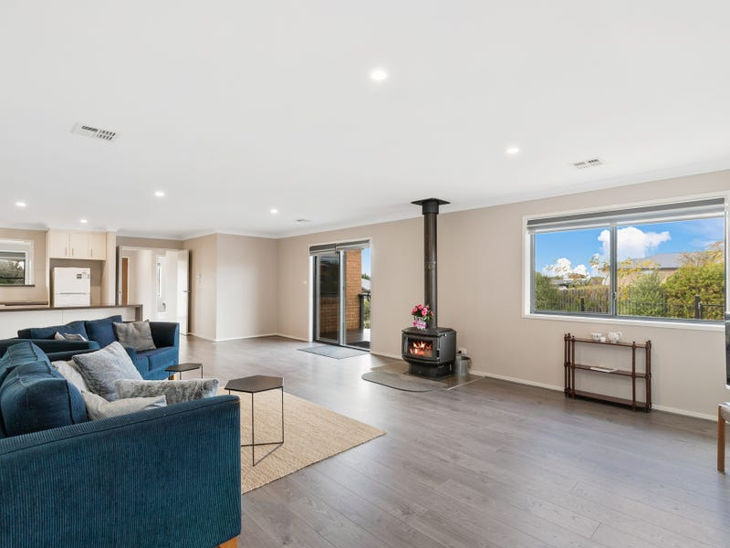 8 Badgery Street, Braidwood, NSW 2622