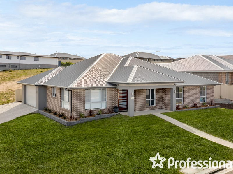 2 Dovey Drive, Kelso, NSW 2795