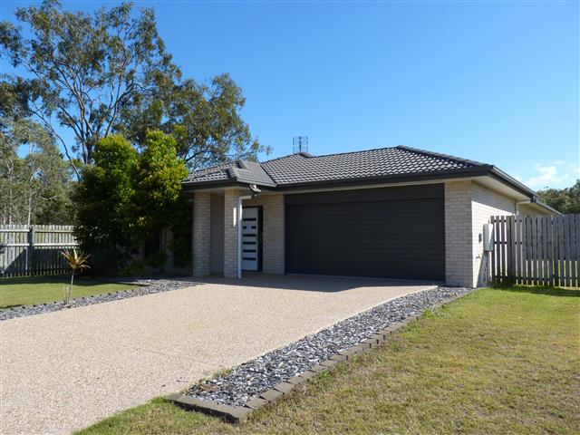 11 Pharlap Court, Point Vernon, Qld 4655