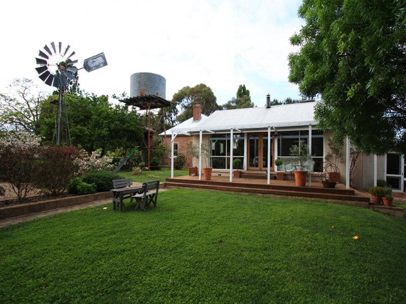 1692 Hoskinstown Road, Hoskinstown, NSW 2621