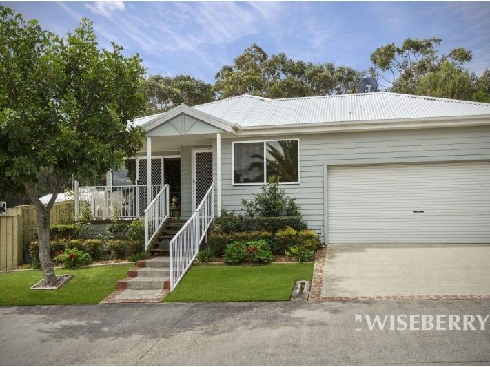 1/2 Saliena  Avenue, Lake Munmorah, NSW 2259