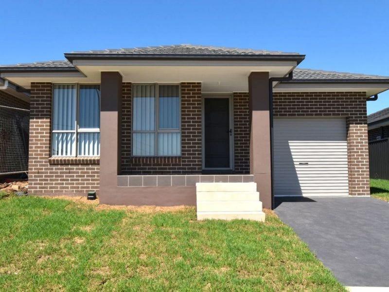 86 Donovan Boulevard, Gregory Hills, NSW 2557
