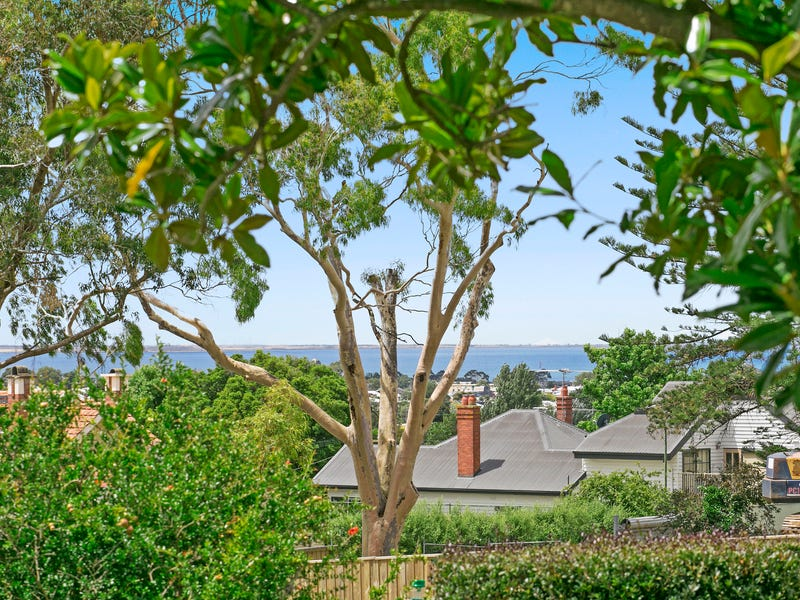 11 Stephen Street, Newtown, Vic 3220
