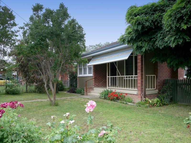10 Immarna Place, Kooringal, NSW 2650