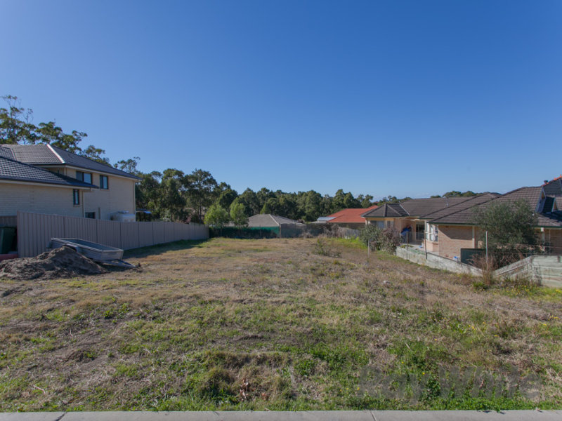 8 Maximillian Drive, Floraville, NSW 2280