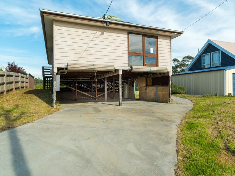 24 Kallay Drive, Pioneer Bay, Vic 3984