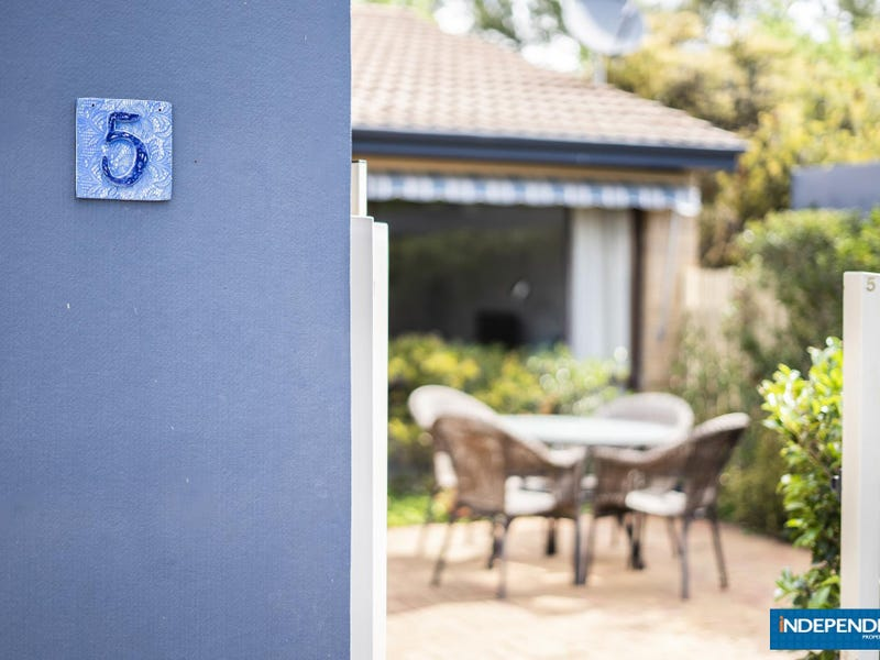 5 Nairn Place, Macquarie, ACT 2614