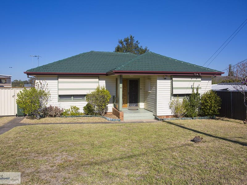 52 Warrigo Street, Sadleir, NSW 2168