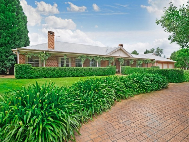 176 Macquarie Grove Road, Kirkham, NSW 2570