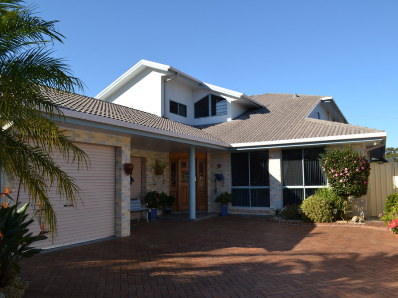 11 Fairway Place, South West Rocks, NSW 2431