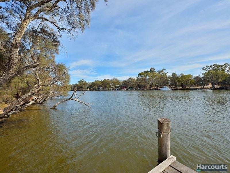 138 Banksia Terrace, South Yunderup, WA 6208