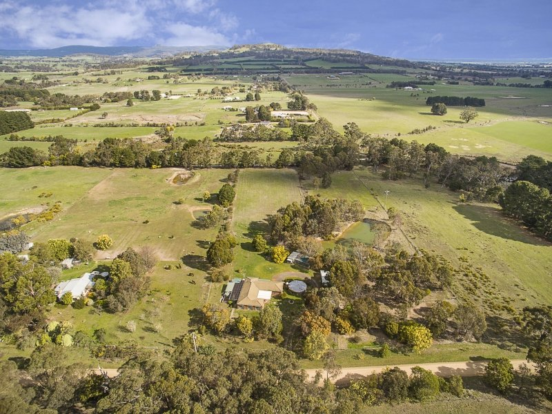 24 Forest Road, Newham, Vic 3442