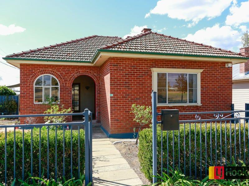 51 Gipps Street, West Tamworth, NSW 2340