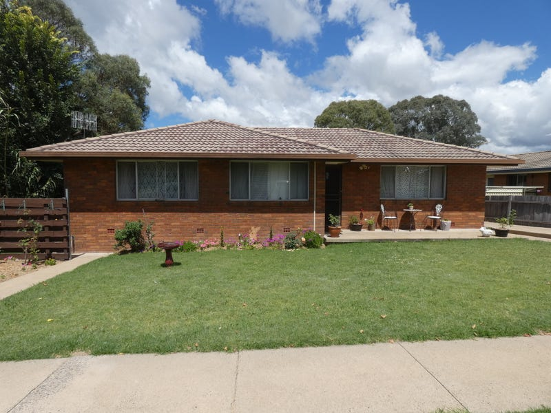 1/8 MARSHALL AVENUE, Armidale, NSW 2350
