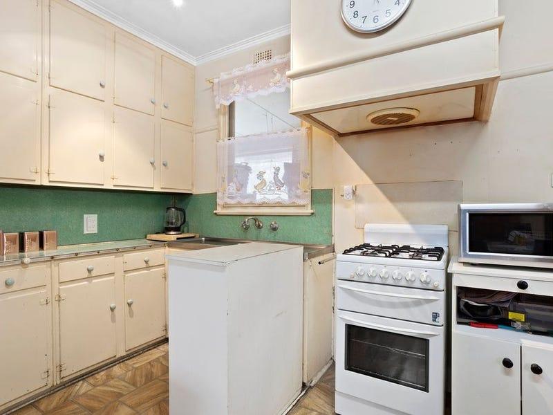 82 Curdie Street, Cobden, Vic 3266