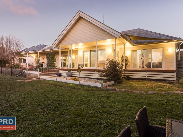 137 Leahys Lane, Lake Bathurst, NSW 2580