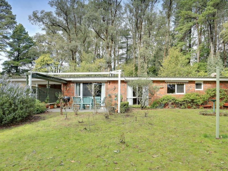 6 Station Avenue, Emerald, Vic 3782