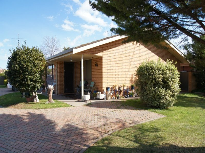 Unit 1 9a Bridget Street, Finley, NSW 2713