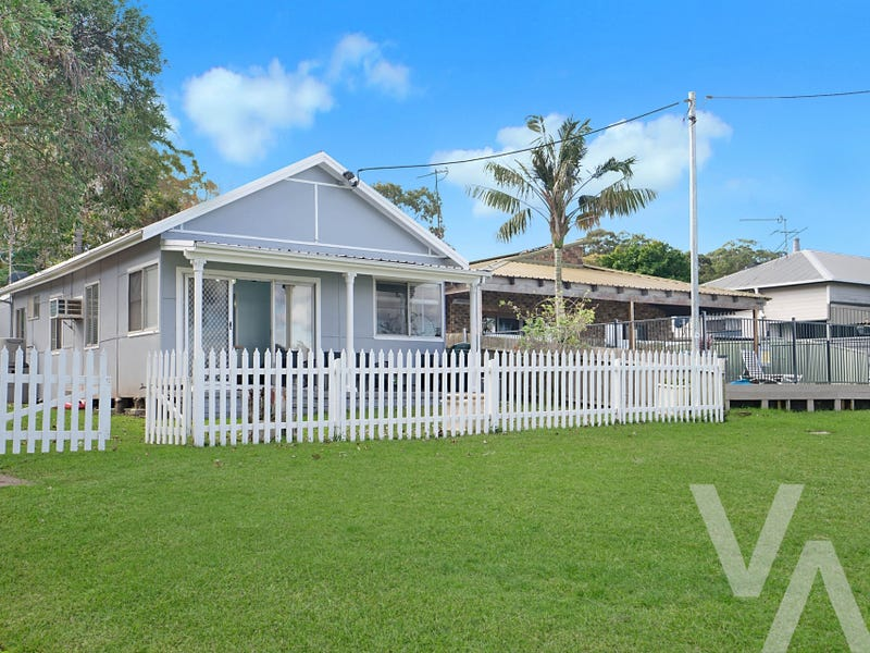 67 Bay Road, Bolton Point, NSW 2283