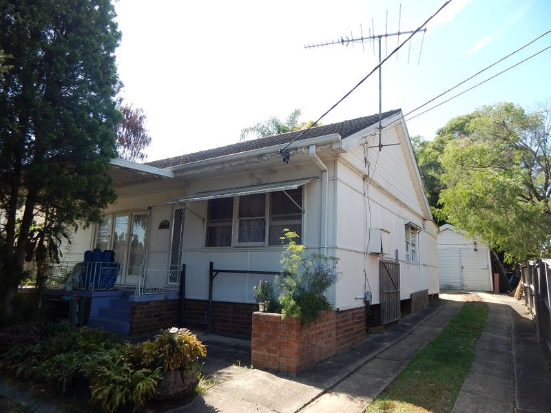10 Laurel Street, Carramar, NSW 2163