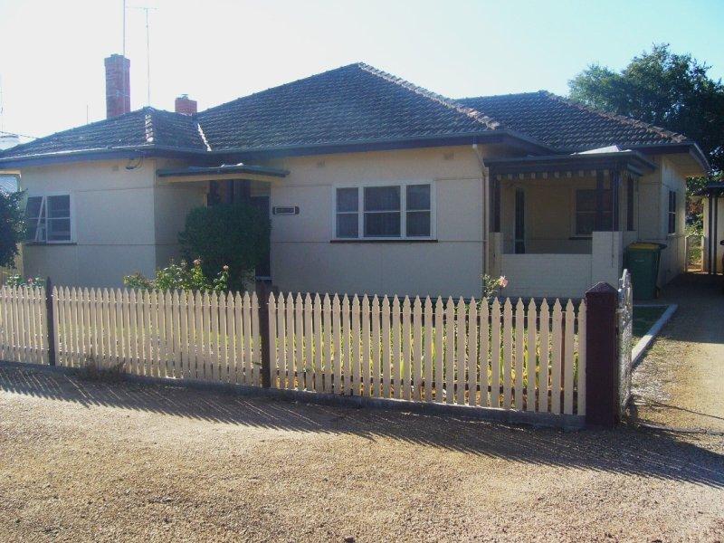 4 Keirath Street, Henty, NSW 2658