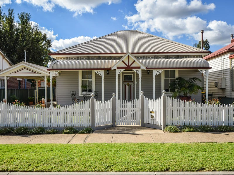5 Marina Street, Young, NSW 2594